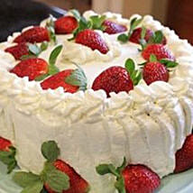 Luscious Strawberry Cake: Romantic Gifts to Canada