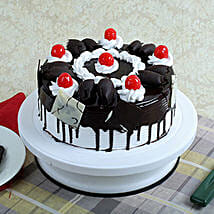 Black Forest Gateau: New Year Cakes Ghaziabad