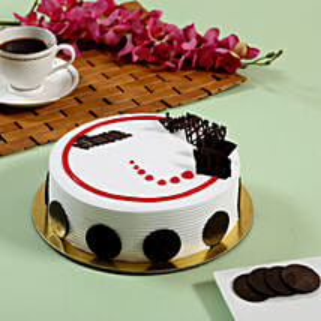 Creamy Strawberry Cake: Send Birthday Cakes for Him