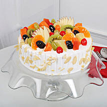 Creamy Vanilla Fruit Cake: Send New Year Cakes to Ludhiana