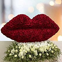 Flowery Kiss Of Love: Kiss Day Gifts