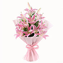 Luxurious Lillies: Send Anniversary Gifts to Allahabad