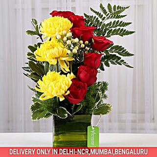 Red Roses & Yellow Disbuds in Glass Vase: Fresh Flower Arrangement