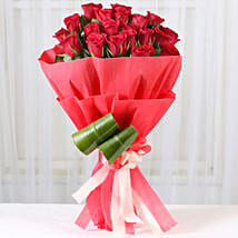 Romantic Red Roses Bouquet: Gifts For Kiss Day