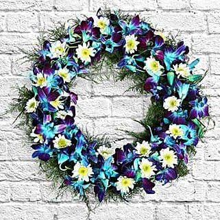Serene Flower Wreath: Christmas Gifts