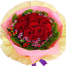 A Perfect Arrangement of Roses: Send Gifts to Johor Bahru