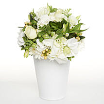 White Delightful Posy: Wedding Gifts to New Zealand