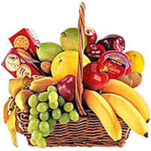 Cheese Crackers n Fruit Basket oma: Christmas Gifts Delivery In Oman