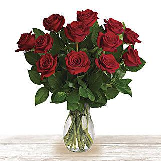 Red Classic Wonder: Send Flowers to Qatar