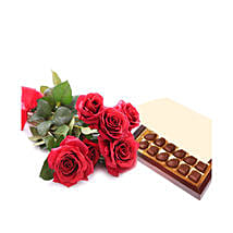 Simply Roses and Chocolates: Valentine Roses to Qatar
