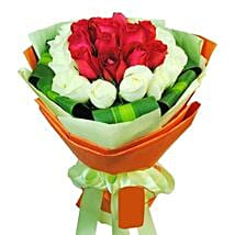 12 White and Red Rose Bouquet: Send Birthday Flowers to Singapore