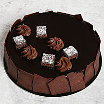 Chocolate Sponge Cake: Cake Delivery in UAE