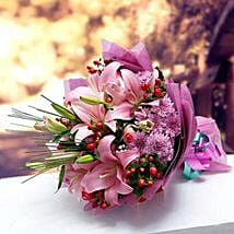 Colors of Charm: Flower Bouquets to UAE