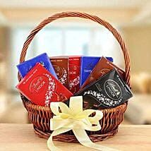Delicious Delight: Valentine Gift Baskets to UAE