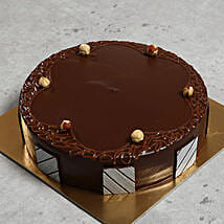 Hazelnut Chocolate Cake: Anniversary Cakes to UAE