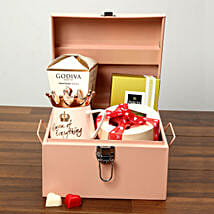 Luxurious Chocolates In Iron Box: Valentine's Day Chocolates to UAE