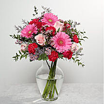 Mixed Flowers In Glass Vase: Birthday Flower Delivery in UAE