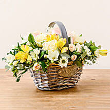 Luxurious Basket: Corporate gifts to UK