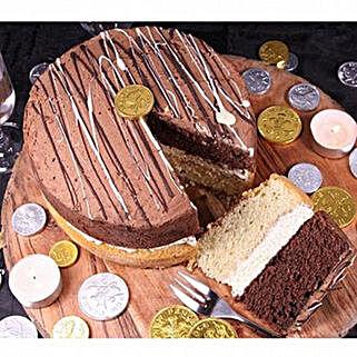 Millionaires Sponge Cake: Cake Delivery UK