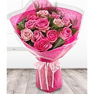 Pink Flamingo: Roses